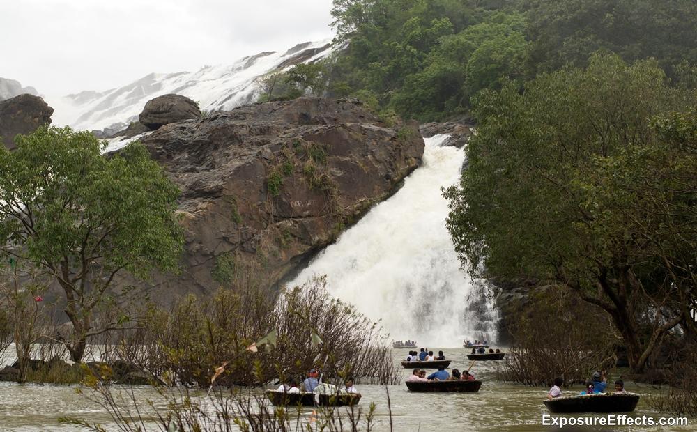 Coracle Boat ride at Shivasamudram Bharachukki Falls