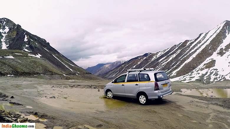 Ladakh - Khardung La Pass road