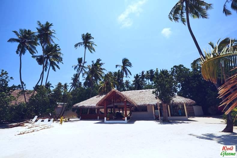 Maldives Travel Guide - Beach Bunglows